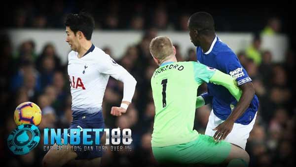 Prediksi Skor Tottenham Hotspur vs Everton